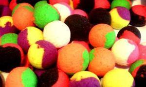 Fluoro Pop-Up boilie 4Carp 30g two tone - barevný mix 12mm - Oliheň - 1