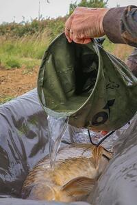 Nádoba Fox na polévání úlovku Collapsible Water Bucket Large 10L - 3